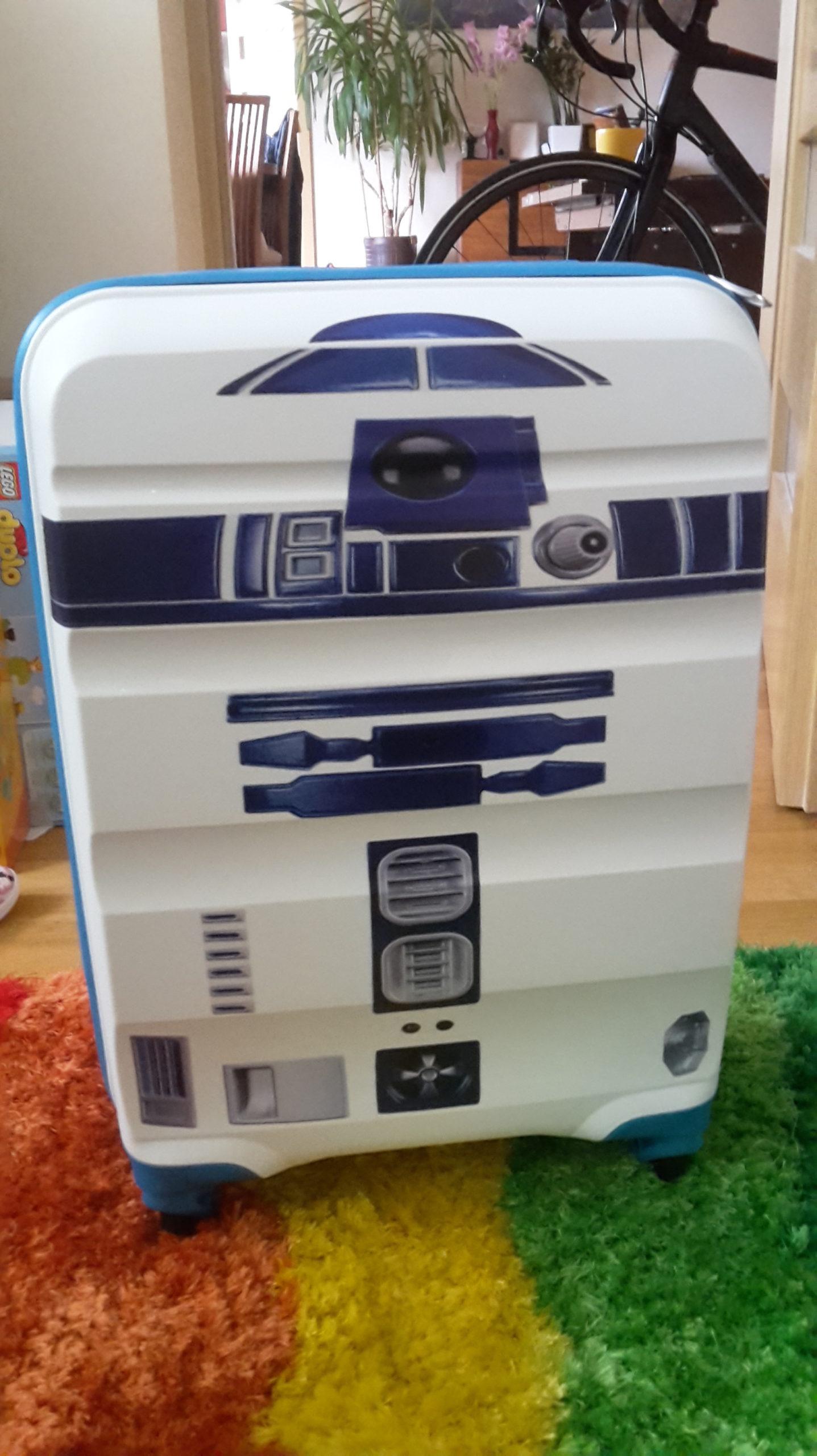 r2d2 suitcase ready