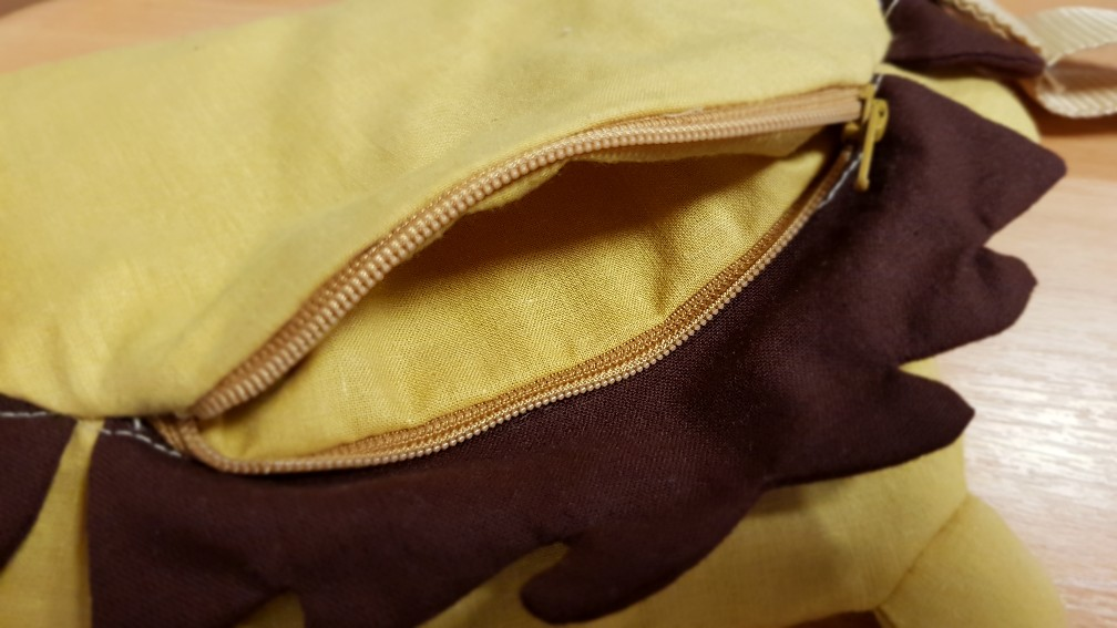 lion bag top pocket