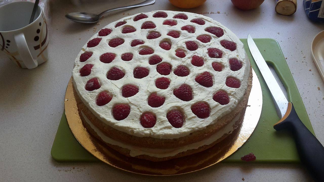 octonauts birthday cake raspberries