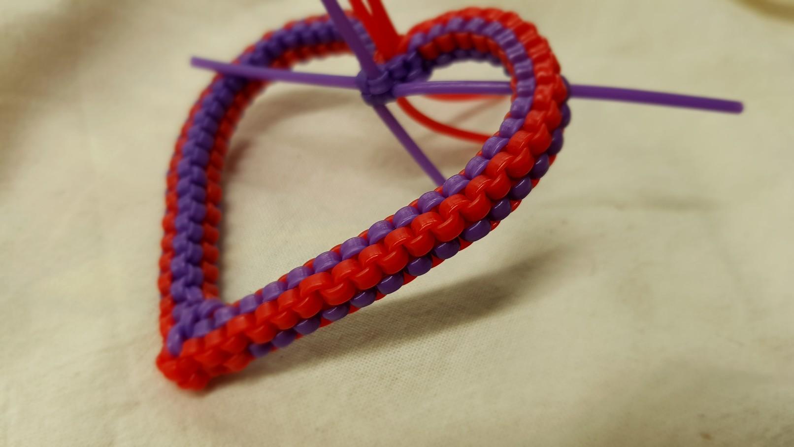 filofun scoubidou heart joining step 5