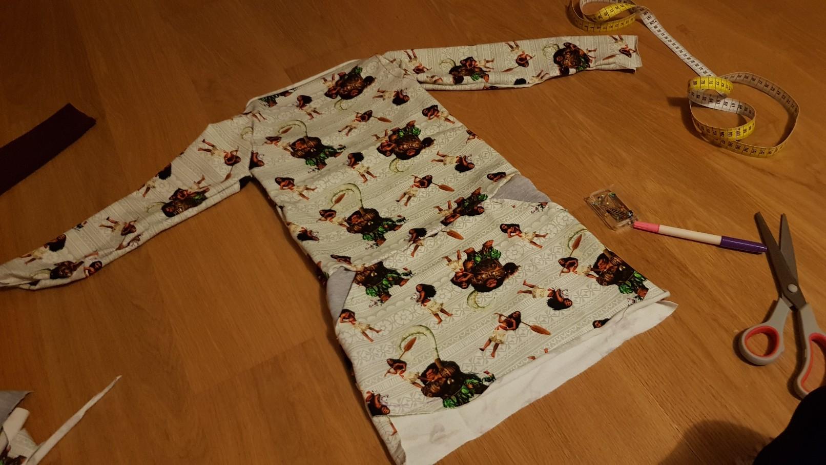 moana vaiana jersey dress front pinned