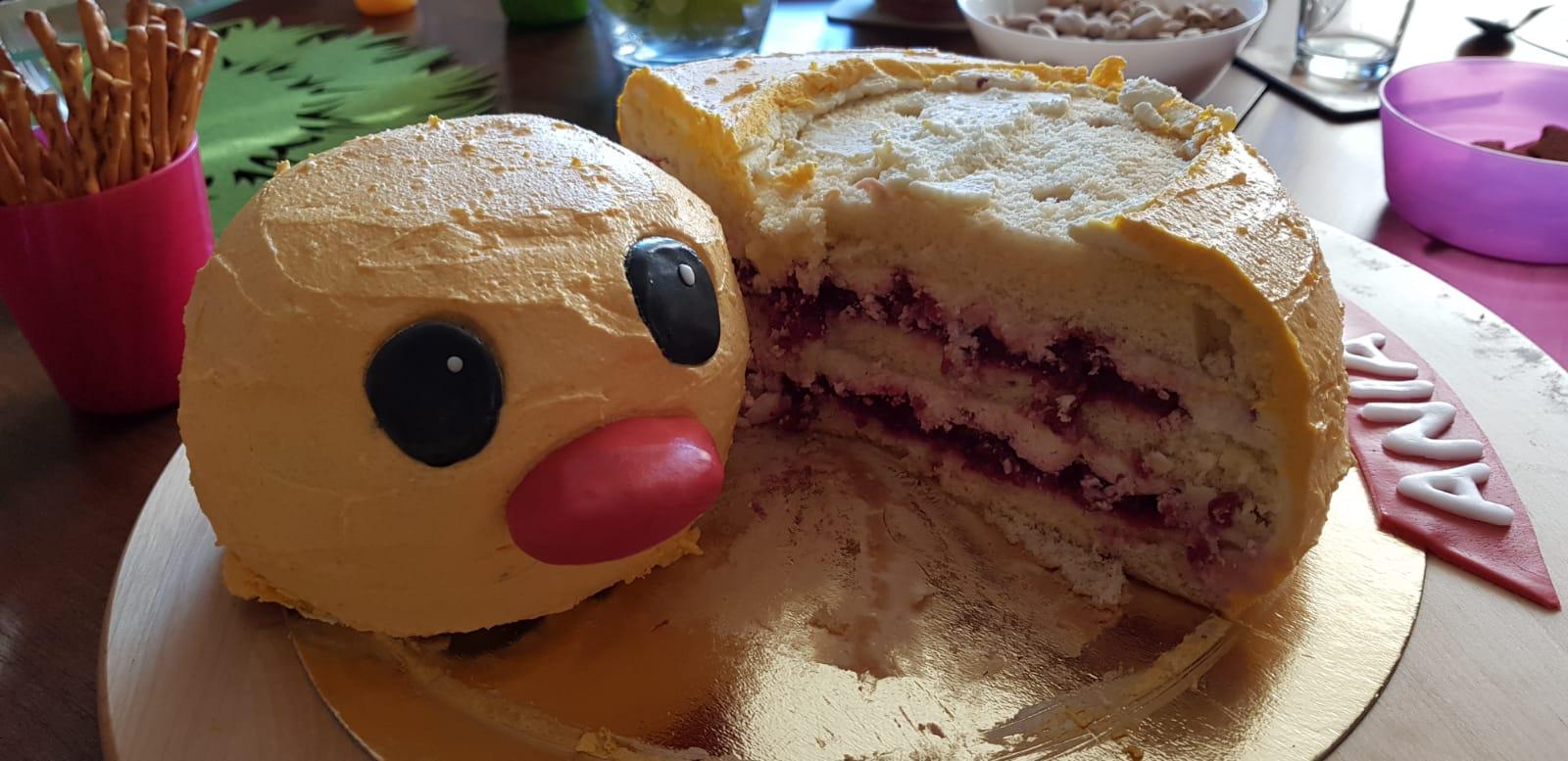 duckie birthday cake head side inside