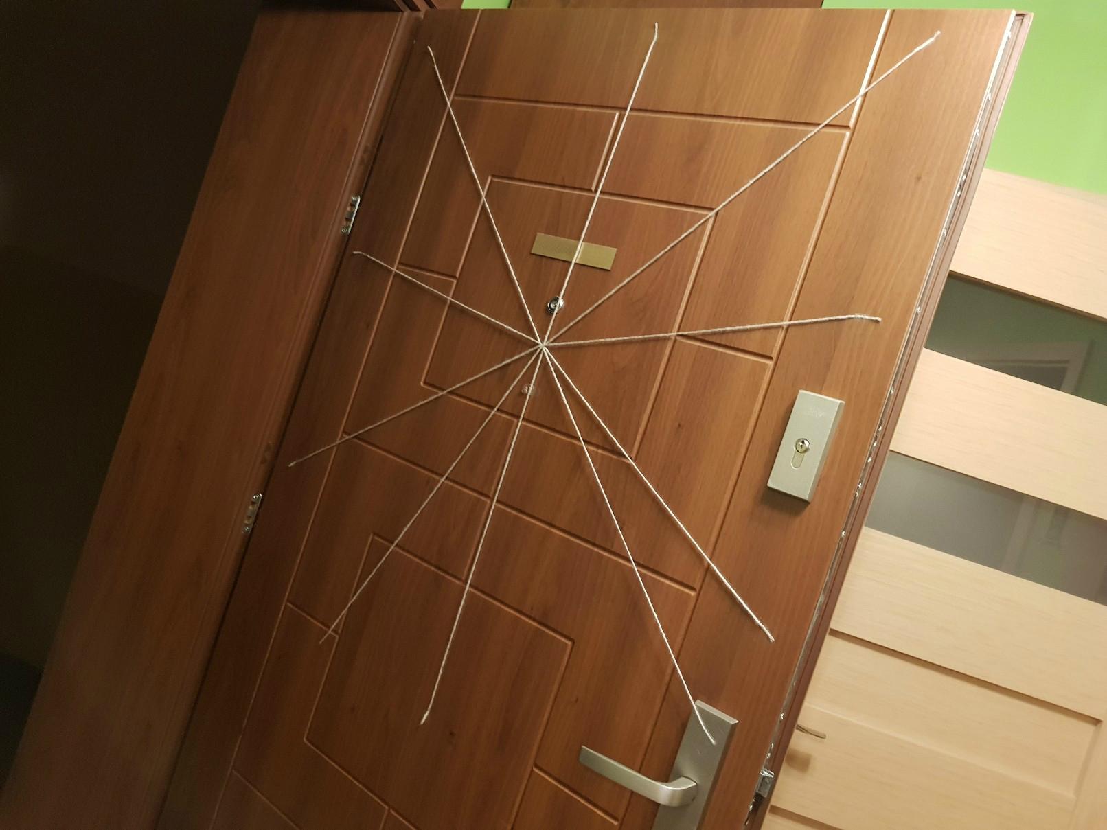 halloween spiders web weaving