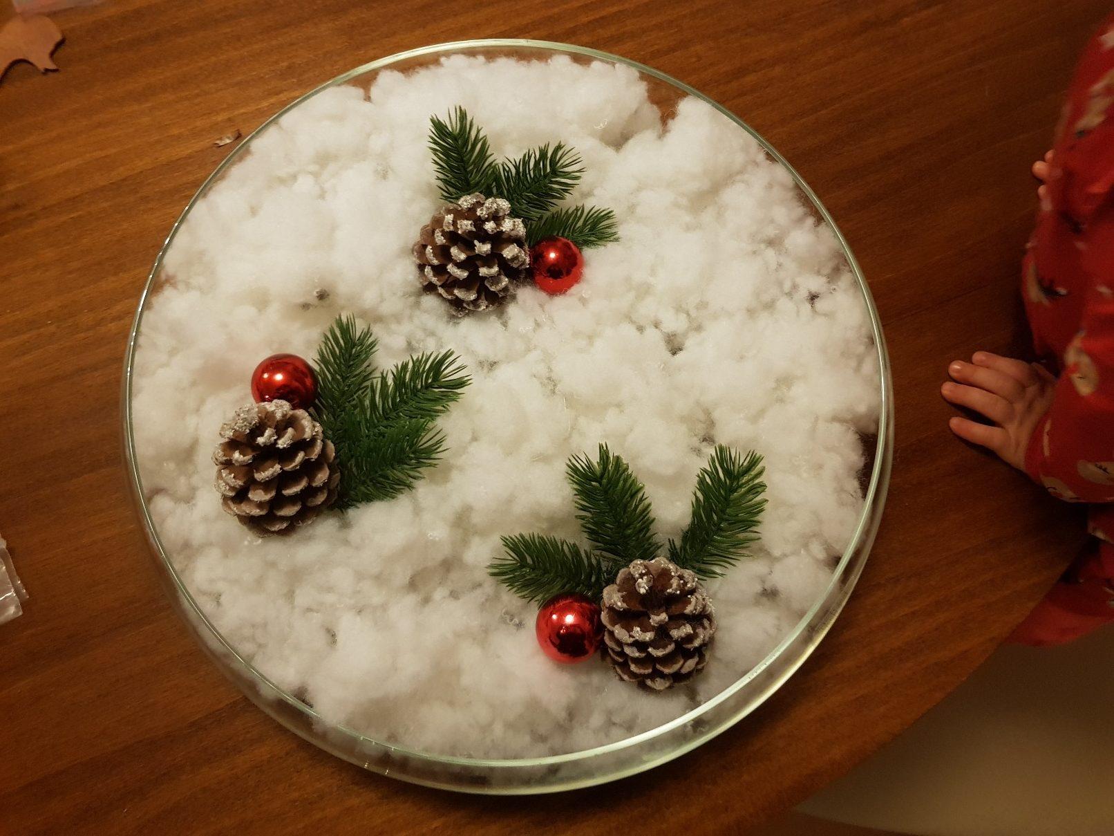 winter center piece baubles
