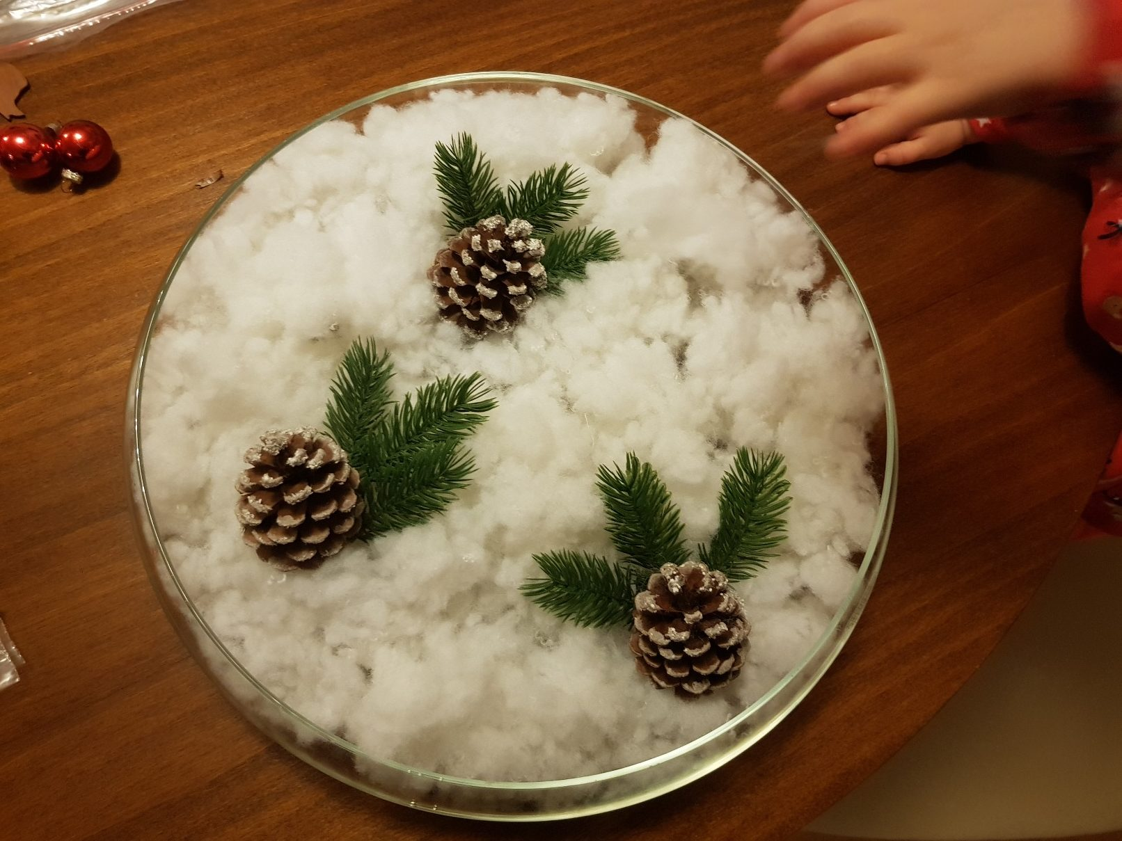 winter center piece pines