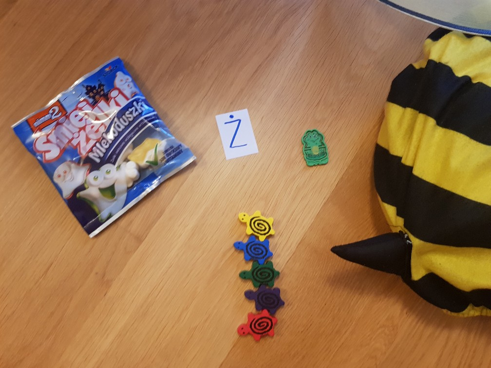 alphabet game letter z with dot