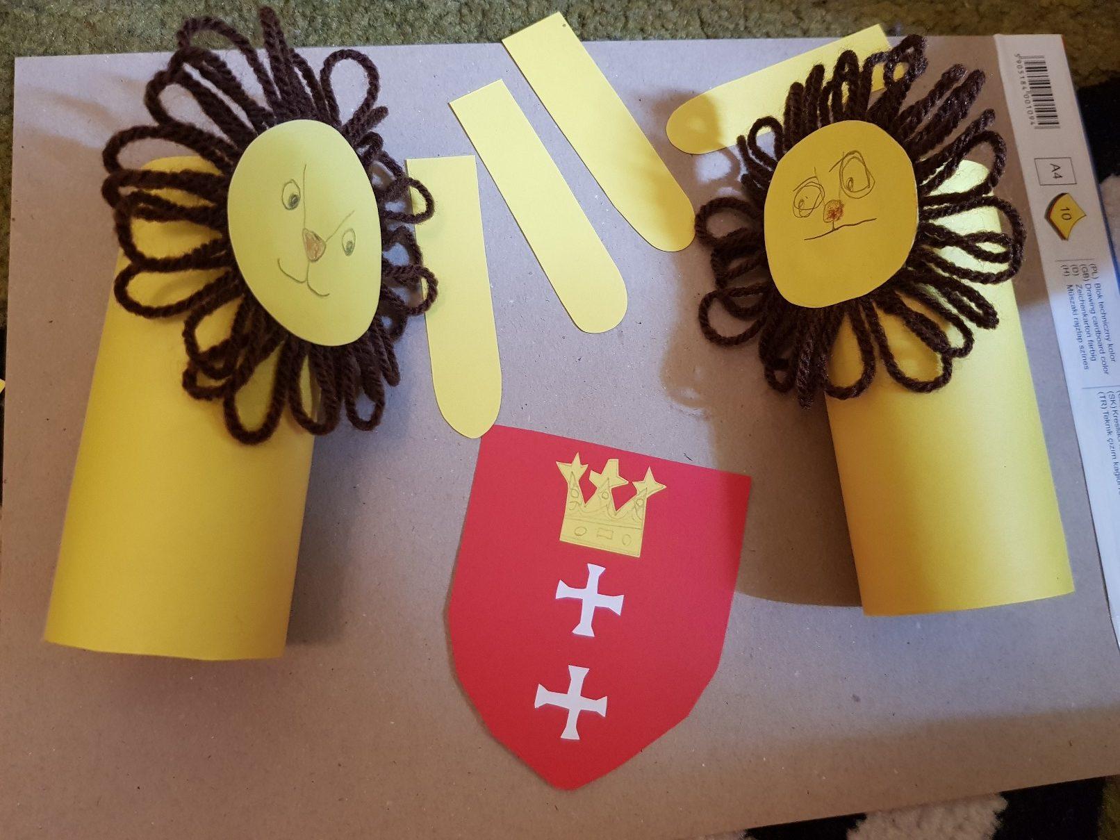 coat of arms gdansk lions elements