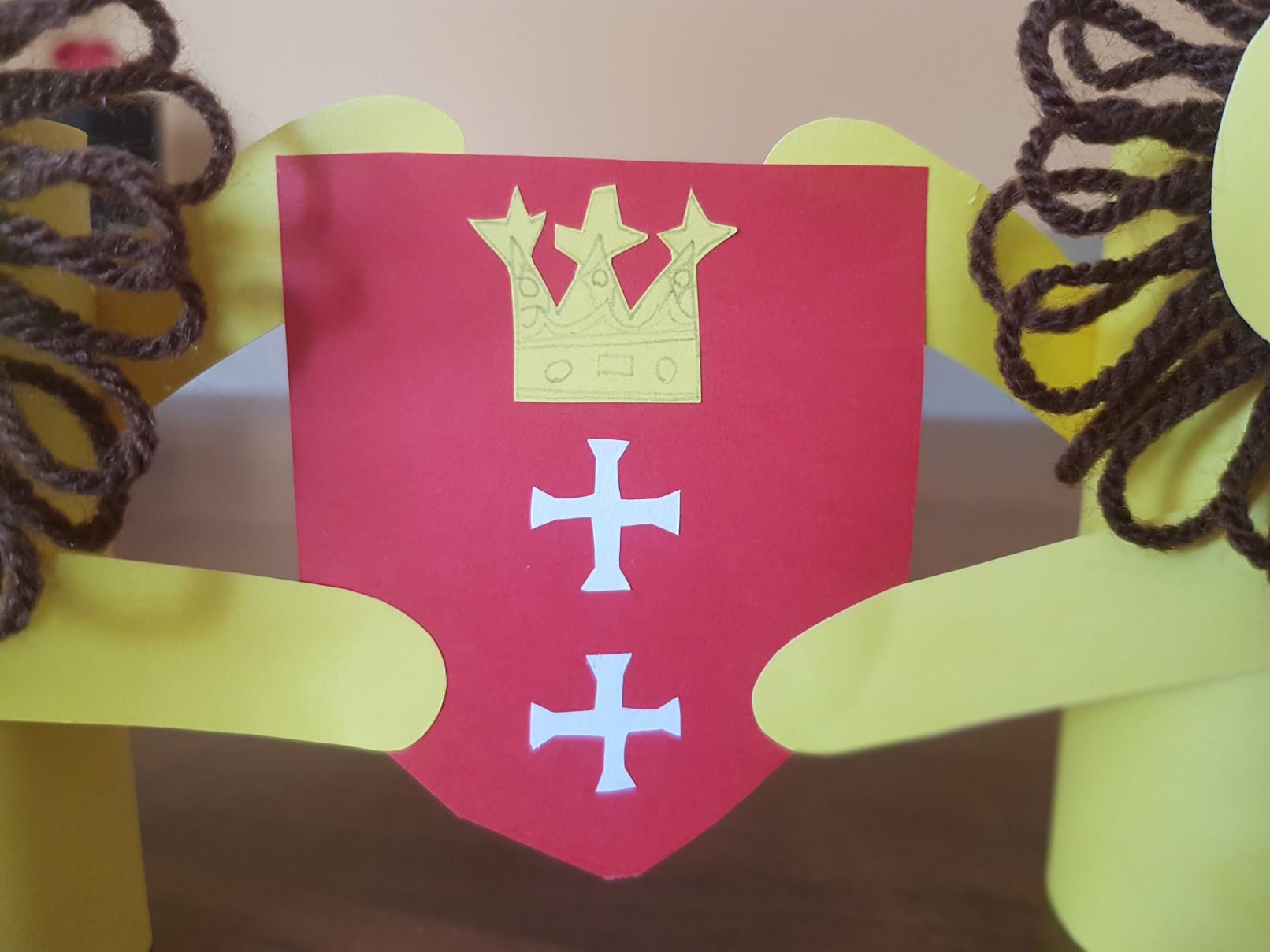 coat of arms gdansk lions final shield detail