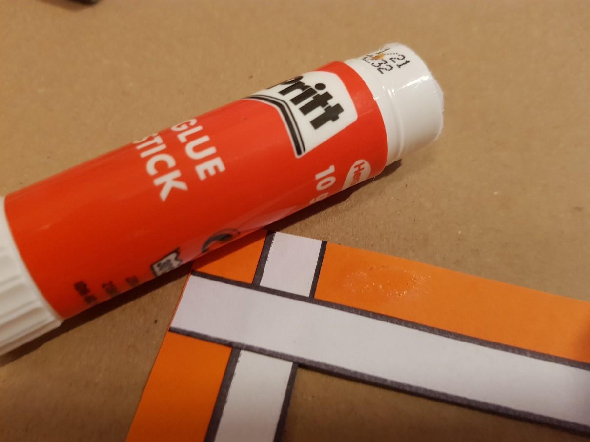 bookmark nemo weaving additional glue