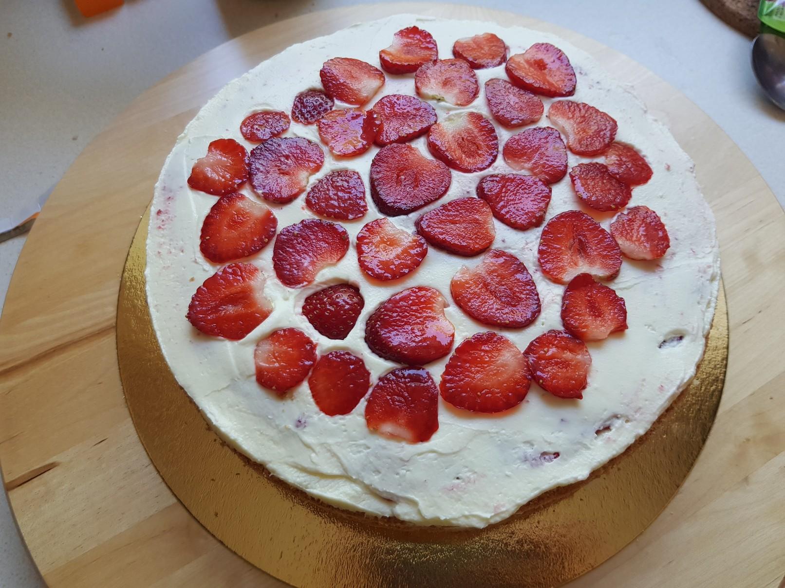gummi bears birthday cake strawberries