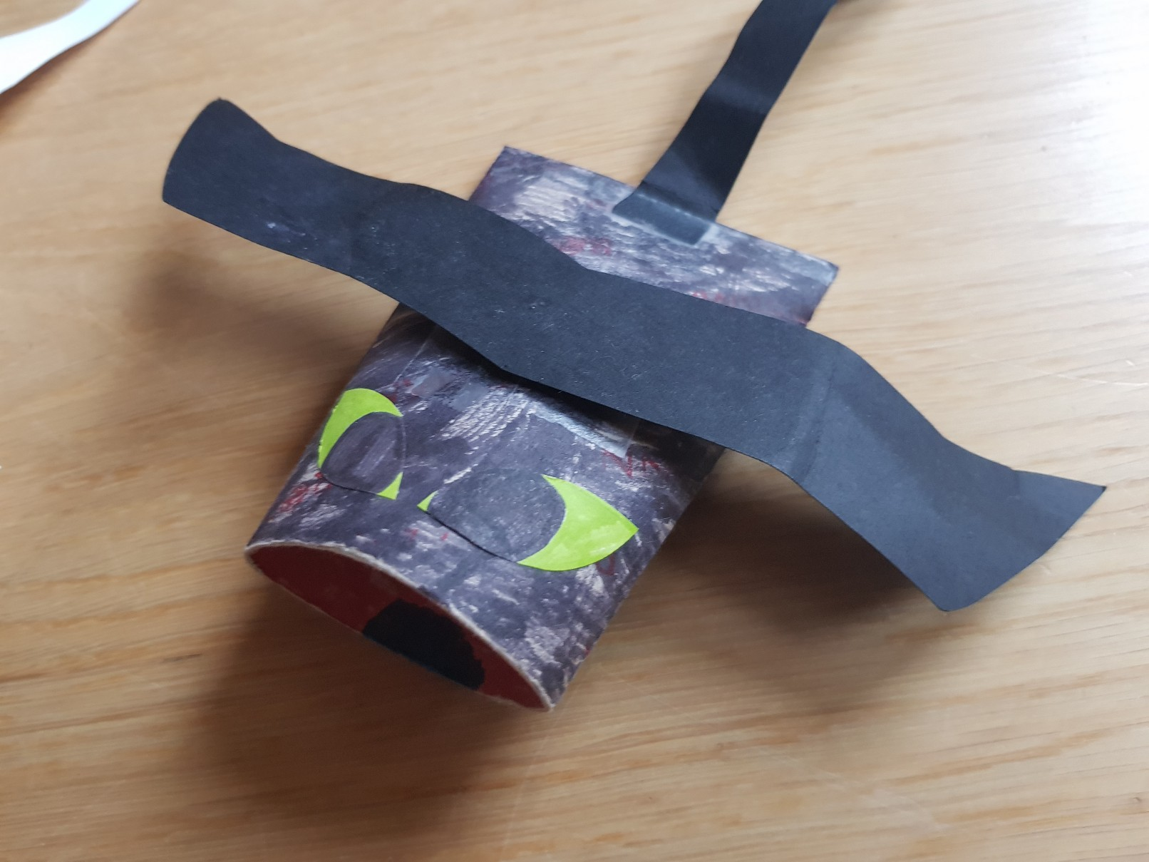 how to train your dragon paper roll toothless