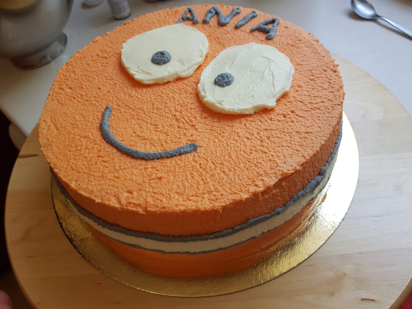 nemo cake weird eyes