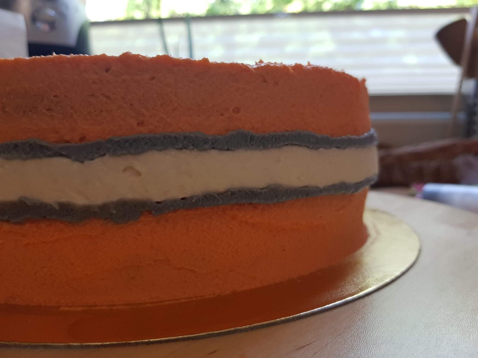 nemo cake white stripe