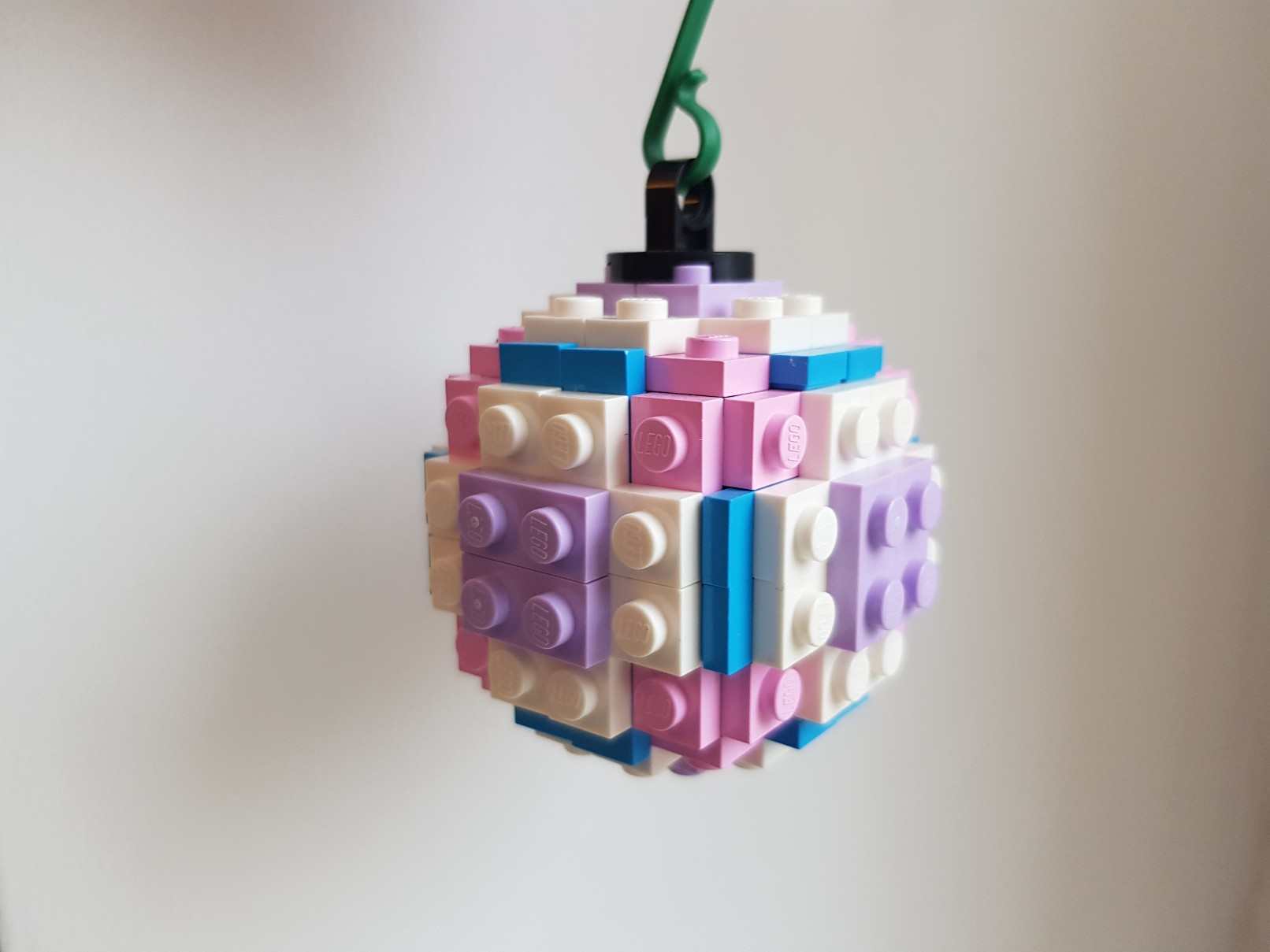 lego moc christmas baubles ornament frozen pink magenta 2