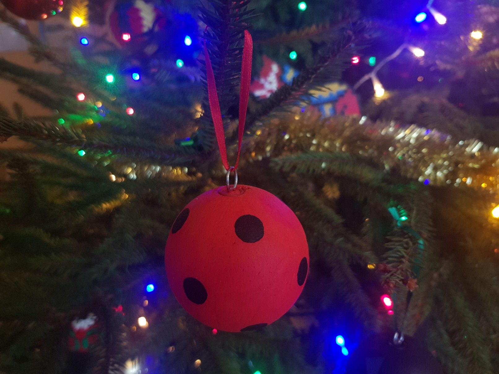 miraculous ladybug chat noir baubles red tree
