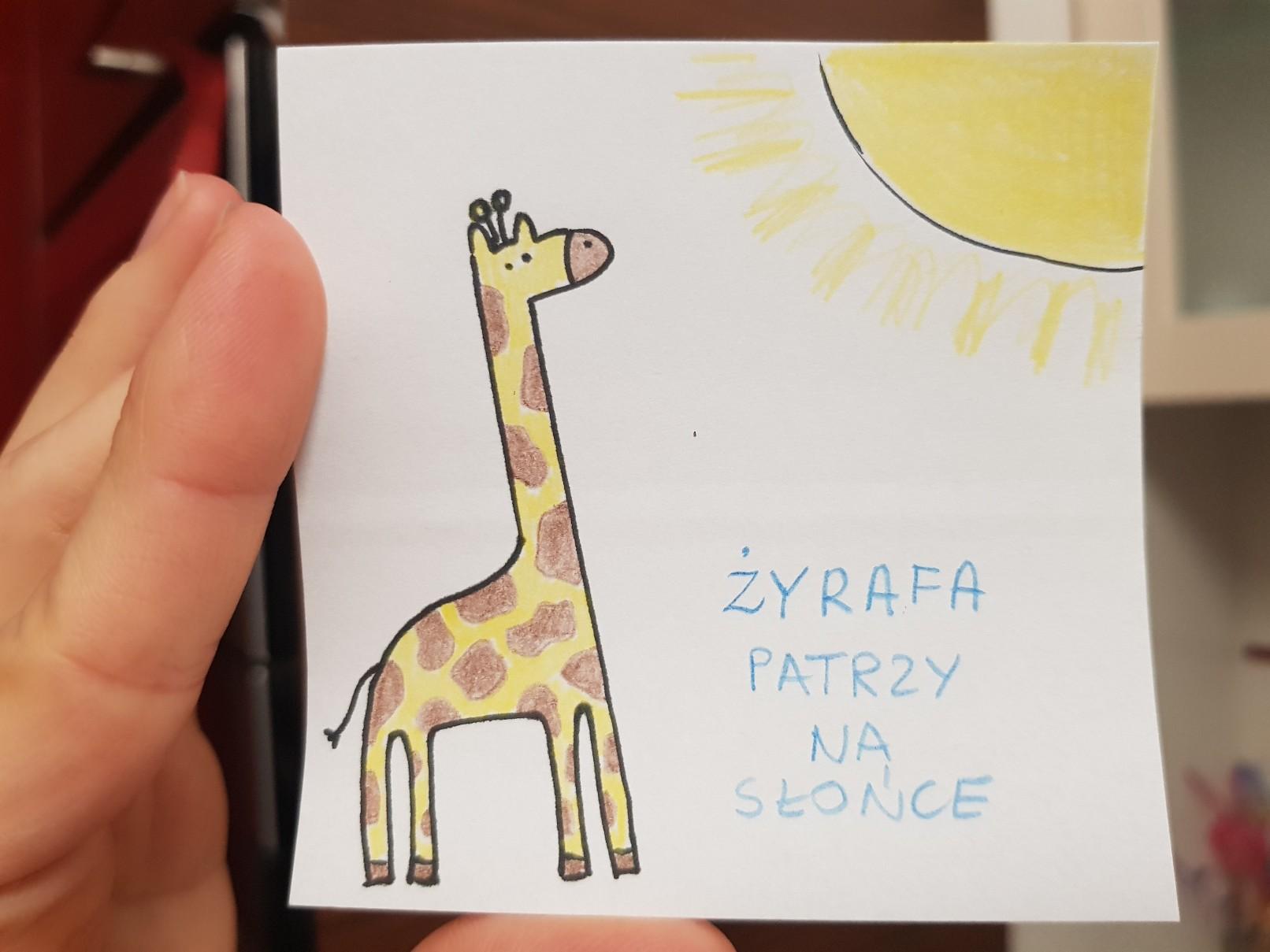 lunchbox art giraffe looking at the sun