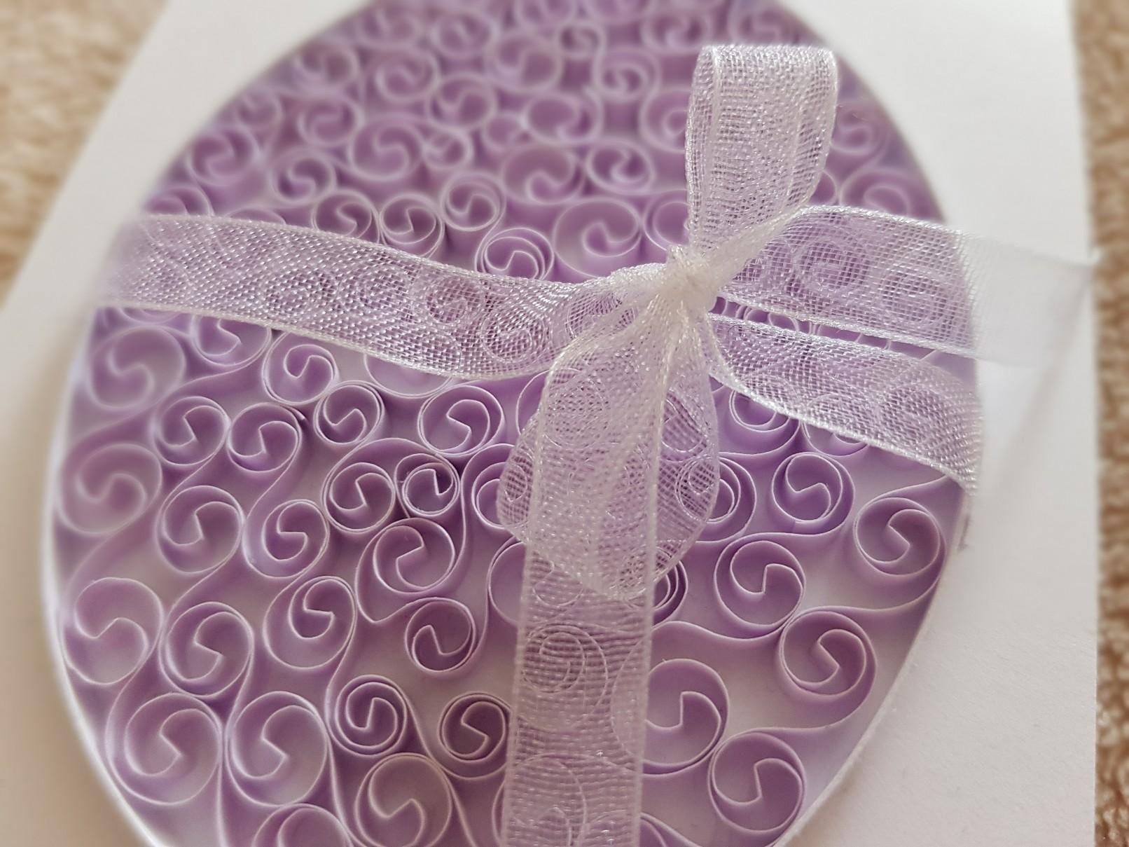 qulling easter card beehive ribbon