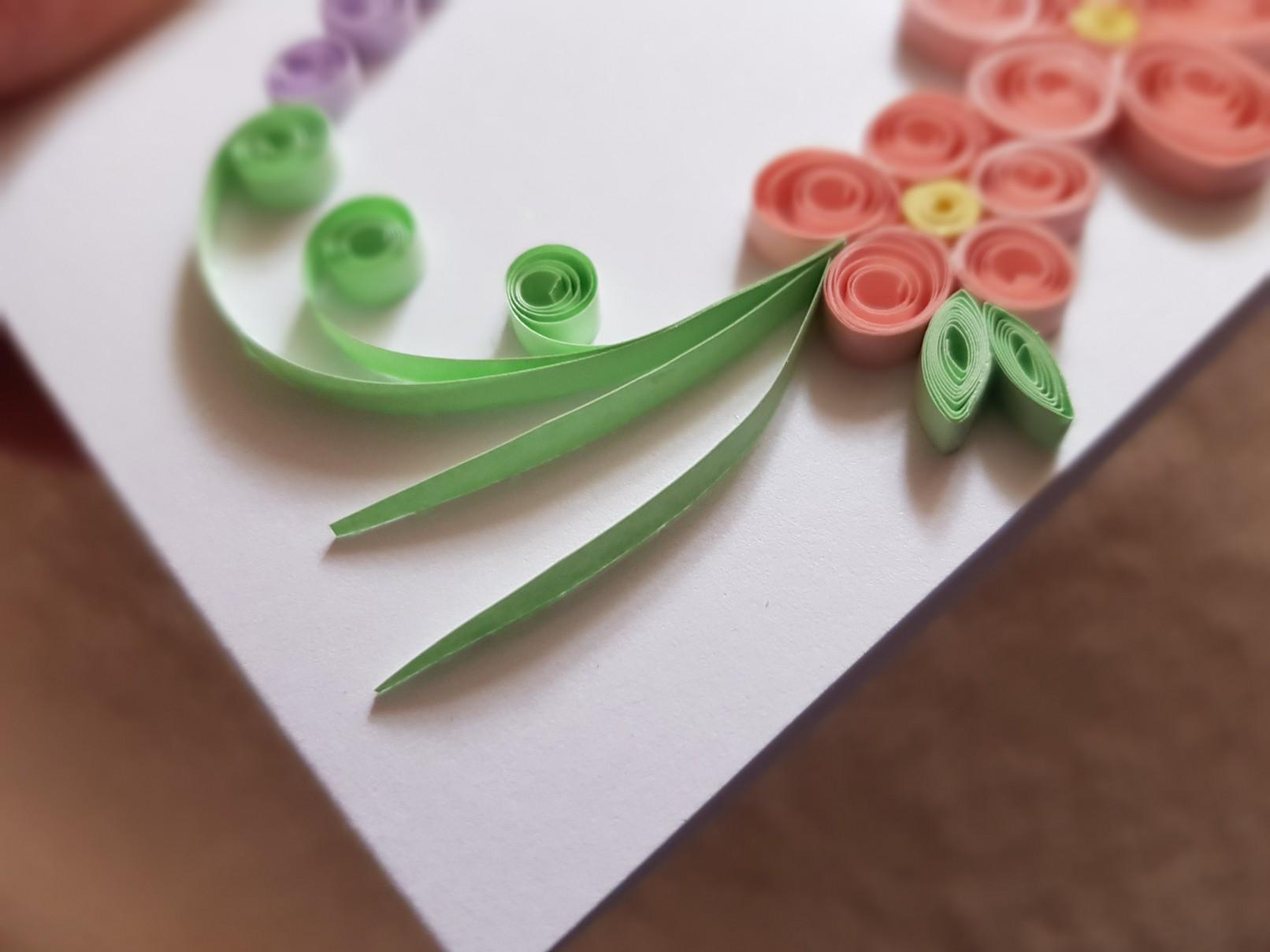 qulling easter card green swirls